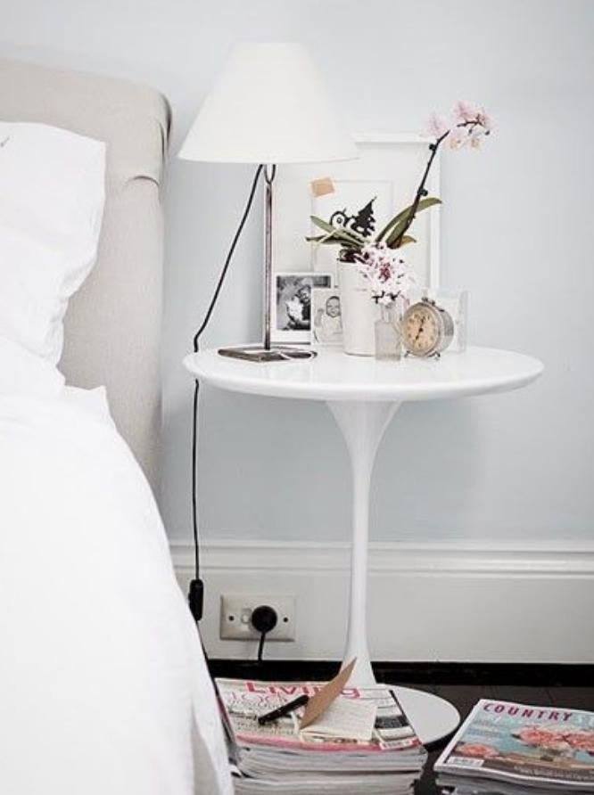 Tulip side table di Saarinen per Knoll